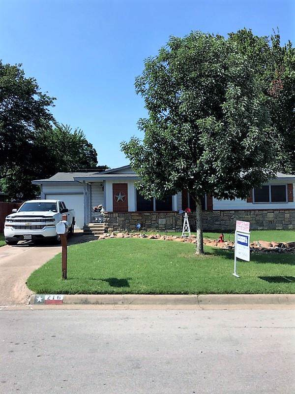 216 W Oak Street, HURST, TX 76053 (MLS #89043) :: Steve Grant Real Estate
