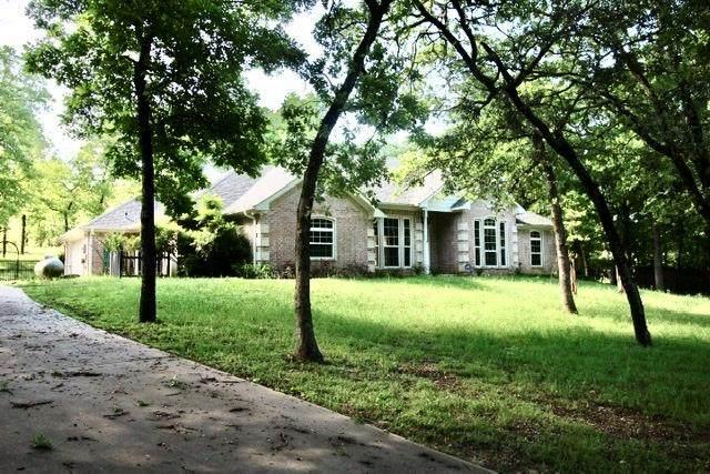 1020 Oak Tree, ATHENS, TX 75752 (MLS #90673) :: Steve Grant Real Estate