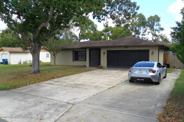 2252 Lake Forest Avenue, Spring Hill, FL 34609 (MLS #2204506) :: The Hardy Team - RE/MAX Marketing Specialists