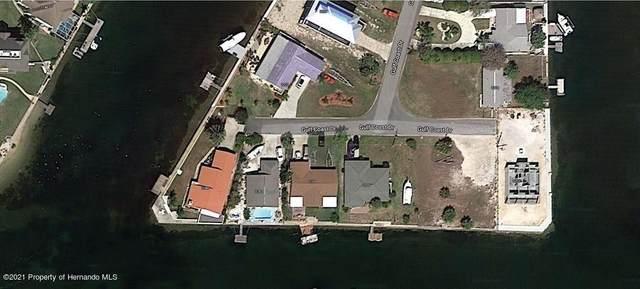 3100 Gulf Coast Drive, Hernando Beach, FL 34607 (MLS #2214238) :: Premier Home Experts