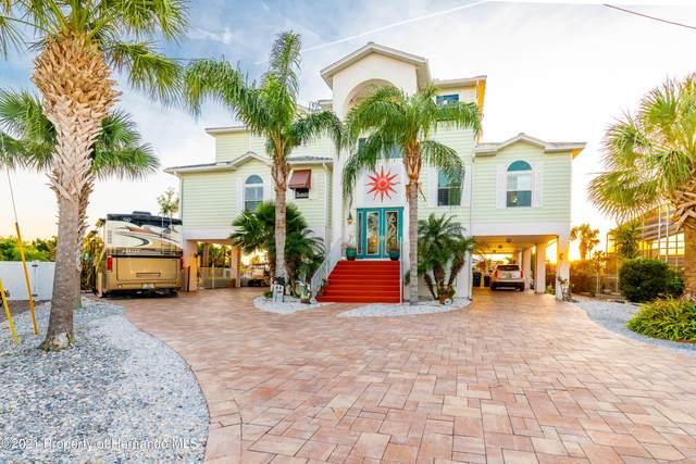 4365 7th Isle Drive, Hernando Beach, FL 34607 (MLS #2214397) :: Premier Home Experts