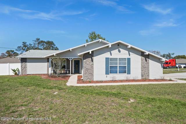 10319 Horizon Drive, Spring Hill, FL 34608 (MLS #2215134) :: Premier Home Experts