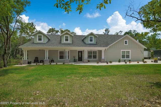 10420 Mahoning Avenue, Weeki Wachee, FL 34614 (MLS #2216512) :: Premier Home Experts