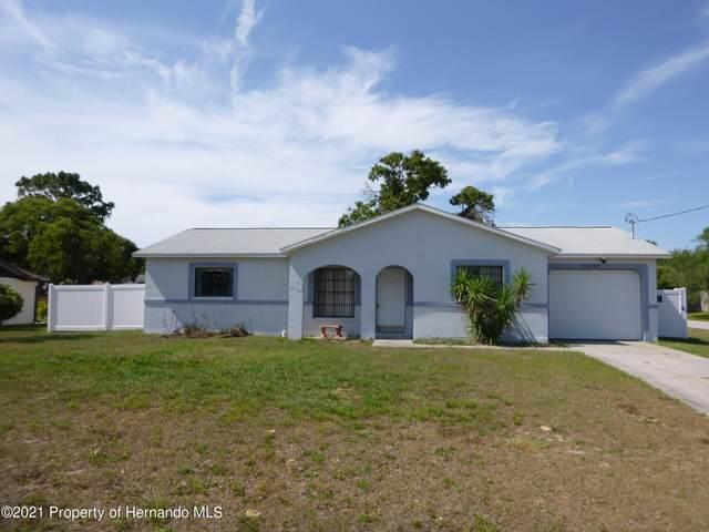 12215 Landfair Street, Spring Hill, FL 34608 (MLS #2216650) :: Premier Home Experts