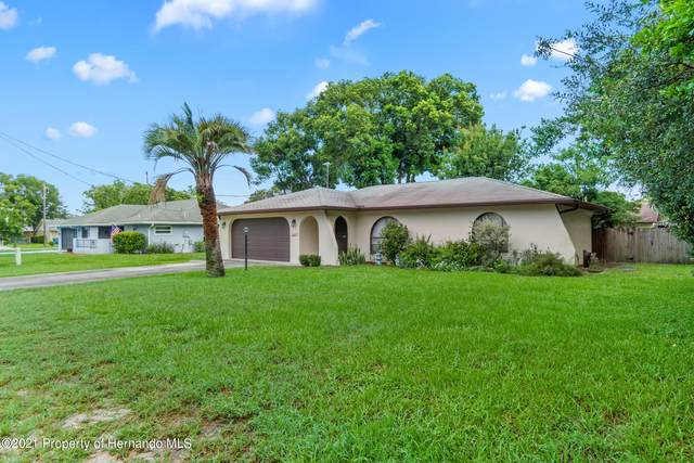 10403 Cranston Street, Spring Hill, FL 34608 (MLS #2218562) :: Premier Home Experts