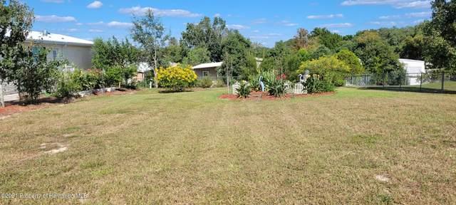 8248 Weatherford, Brooksville, FL 34613 (MLS #2220274) :: Dalton Wade Real Estate Group