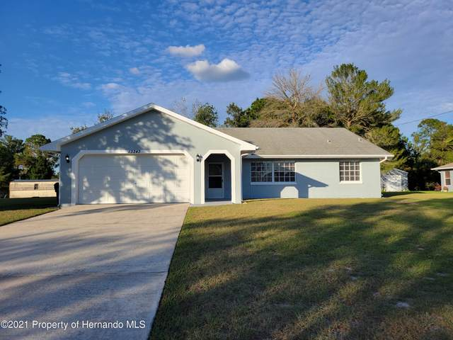 13243 Drayton Drive, Spring Hill, FL 34609 (MLS #2220332) :: Dalton Wade Real Estate Group