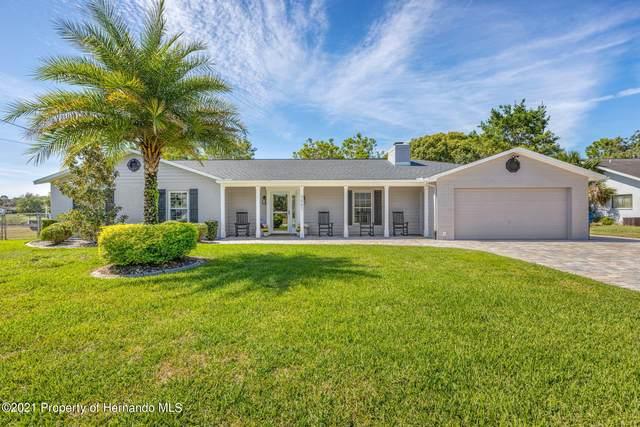 3007 Bayshore Drive, Spring Hill, FL 34608 (MLS #2220369) :: Dalton Wade Real Estate Group