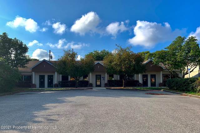 12525 Spring Hill Drive, Spring Hill, FL 34609 (MLS #2215569) :: Premier Home Experts