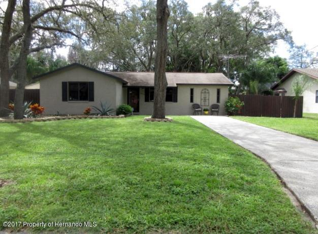 6304 Piedmont, Spring Hill, FL 34606 (MLS #2186811) :: The Hardy Team - RE/MAX Marketing Specialists