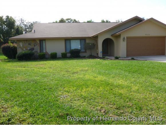 7512 River Country Drive, Weeki Wachee, FL 34607 (MLS #2197087) :: The Hardy Team - RE/MAX Marketing Specialists