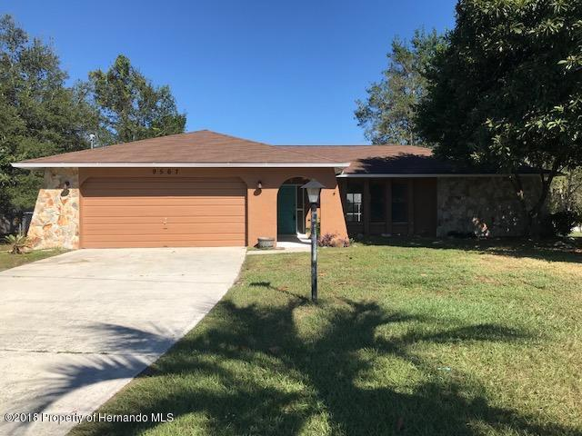 9567 Horizon Drive, Spring Hill, FL 34608 (MLS #2199047) :: The Hardy Team - RE/MAX Marketing Specialists