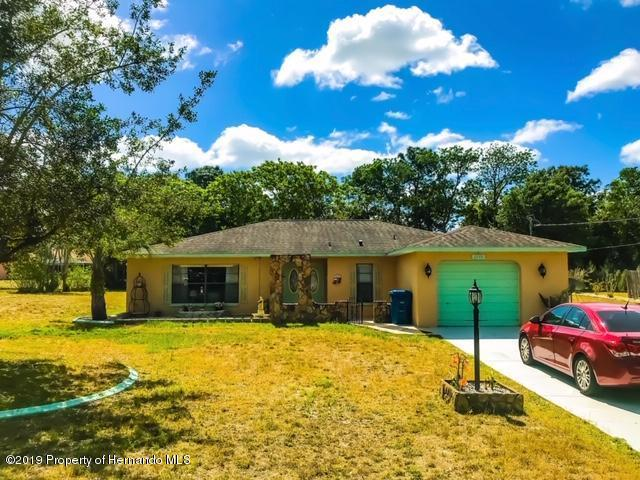 2200 Fentress Court, Spring Hill, FL 34609 (MLS #2199965) :: The Hardy Team - RE/MAX Marketing Specialists