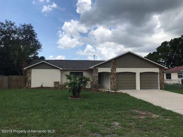8390 Sunflower Drive, Spring Hill, FL 34606 (MLS #2202437) :: The Hardy Team - RE/MAX Marketing Specialists