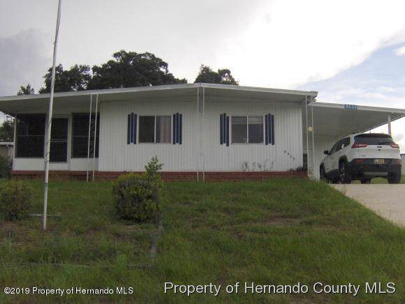 8039 Eastern Cir Drive, Brooksville, FL 34613 (MLS #2205252) :: Premier Home Experts