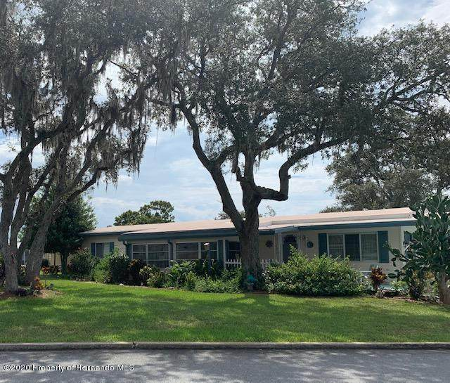 12372 Club House Road, Brooksville, FL 34613 (MLS #2211963) :: Premier Home Experts