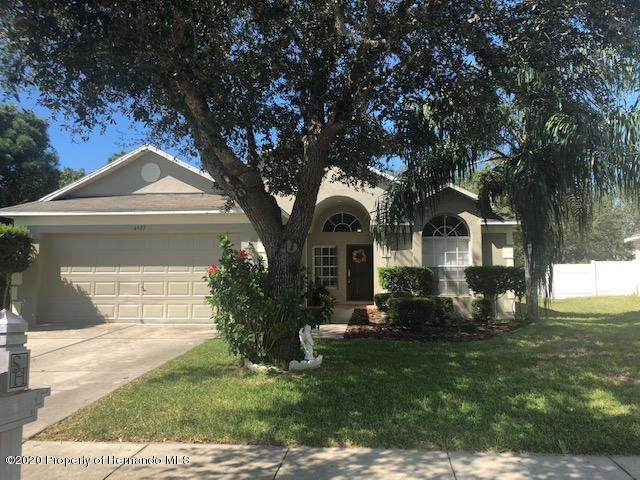 4927 Ayrshire Drive, Spring Hill, FL 34609 (MLS #2212159) :: Premier Home Experts