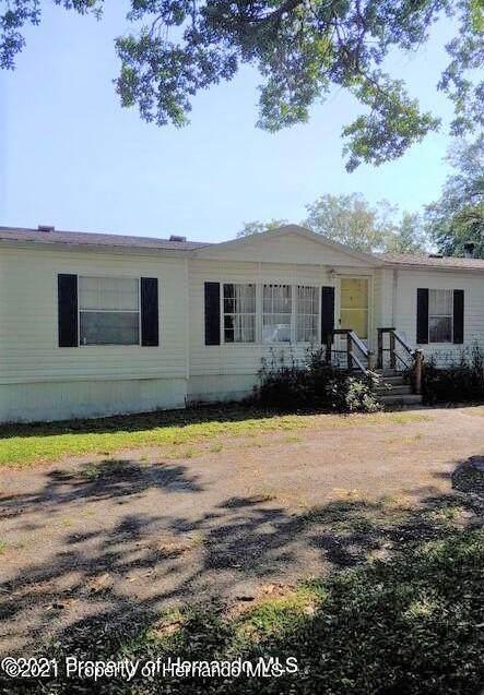 10627 Tami Trail, Hudson, FL 34669 (MLS #2216549) :: Premier Home Experts