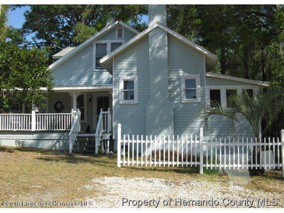 705 Museum Court, Brooksville, FL 34601 (MLS #2205272) :: The Hardy Team - RE/MAX Marketing Specialists