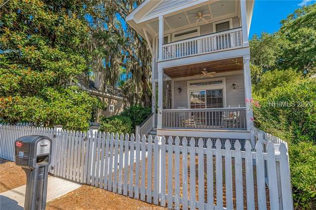 1009 Calhoun Street, Beaufort, SC 29902 (MLS #405684) :: The Coastal Living Team