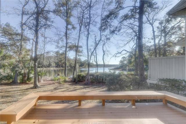 10 Toppin Drive, Hilton Head Island, SC 29926 (MLS #374881) :: RE/MAX Island Realty