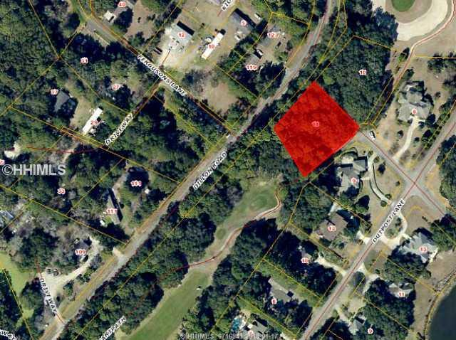 11 Oak Creek Drive, Hilton Head Island, SC 29928 (MLS #329685) :: RE/MAX Island Realty