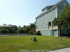15 Crabline Court, Hilton Head Island, SC 29928 (MLS #361894) :: Collins Group Realty