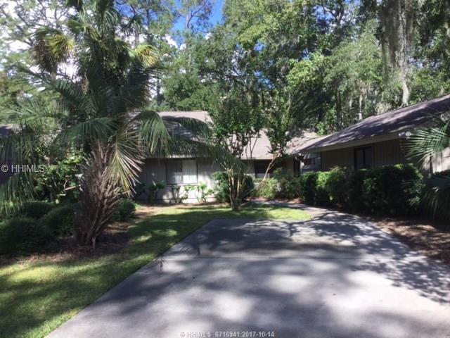 4 Cannon Row, Hilton Head Island, SC 29928 (MLS #370668) :: Beth Drake REALTOR®