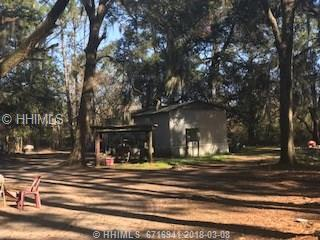 1 Shiney Road, Saint Helena Island, SC 29920 (MLS #376973) :: The Alliance Group Realty