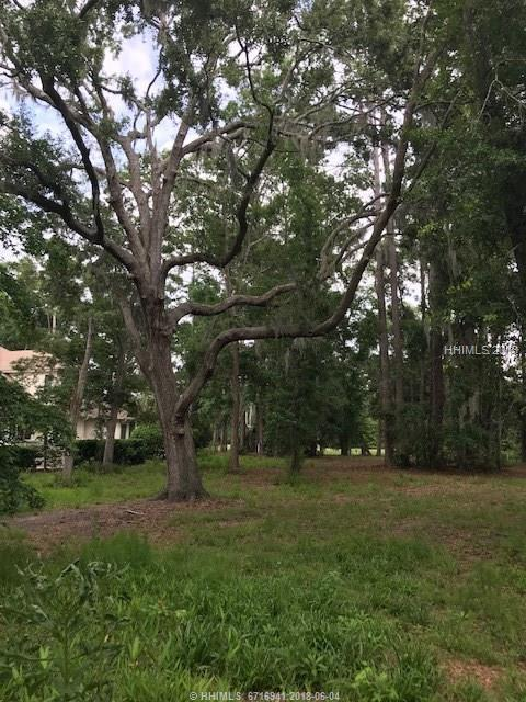 607 Colonial Drive, Hilton Head Island, SC 29926 (MLS #382763) :: RE/MAX Island Realty