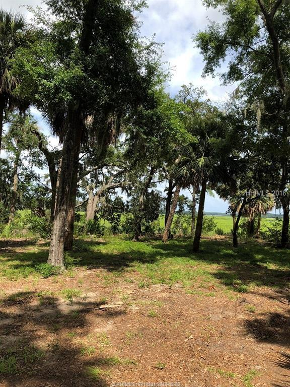 18 Indian Hill Lane, Hilton Head Island, SC 29926 (MLS #385346) :: Beth Drake REALTOR®