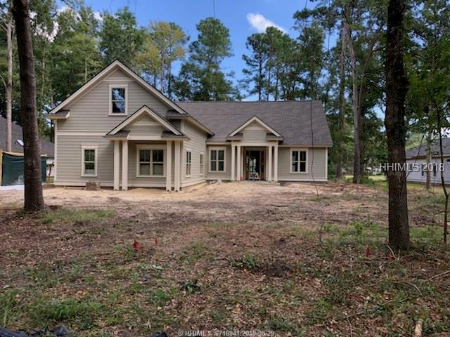 43 Fairway Drive, Bluffton, SC 29910 (MLS #386676) :: The Alliance Group Realty