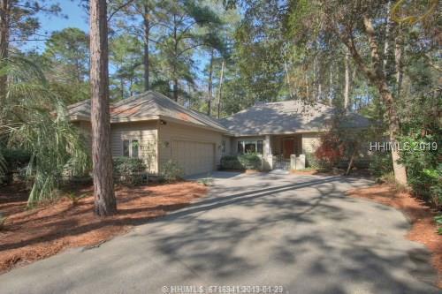 40 Edgewood Drive, Hilton Head Island, SC 29926 (MLS #389544) :: RE/MAX Coastal Realty