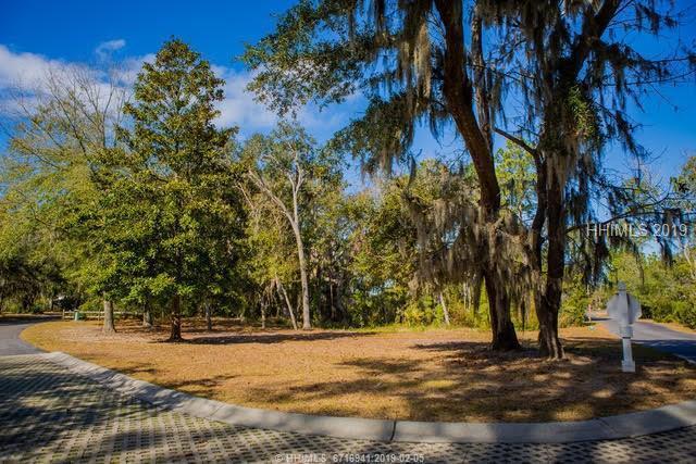 15 Silver Oak Drive, Hilton Head Island, SC 29926 (MLS #389741) :: The Alliance Group Realty