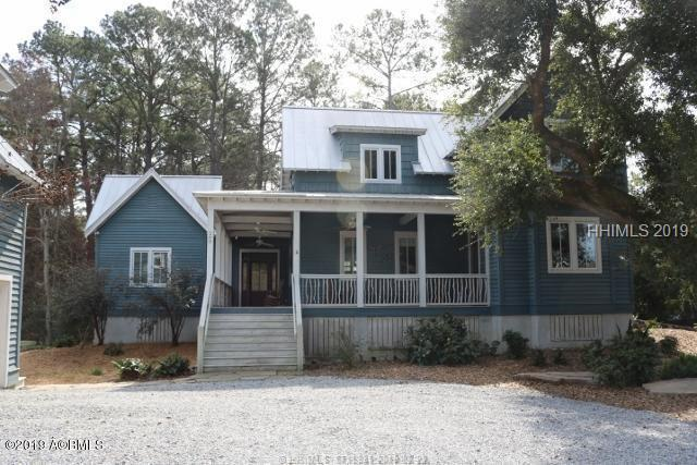 200 Anchorage Drive, Beaufort, SC 29907 (MLS #390330) :: RE/MAX Coastal Realty