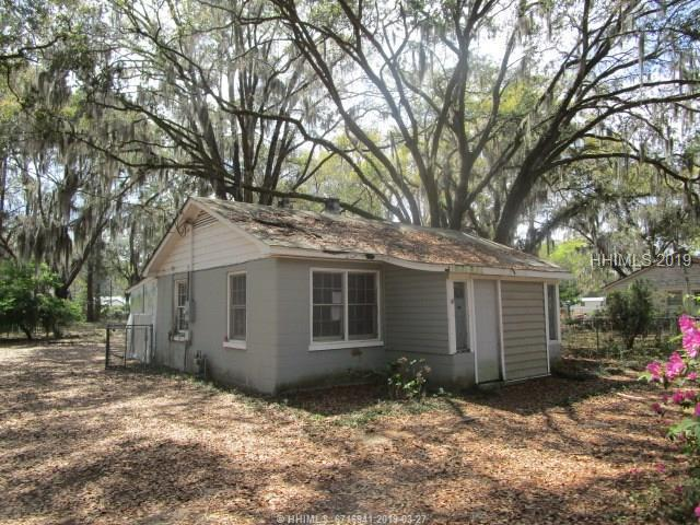 2708 Waddell Road, Beaufort, SC 29902 (MLS #392361) :: Southern Lifestyle Properties