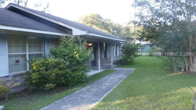 62 Pine Grove Road, Beaufort, SC 29906 (MLS #394093) :: The Alliance Group Realty
