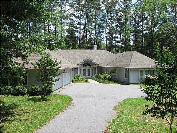 22 Greenwood Court, Bluffton, SC 29910 (MLS #414823) :: Beth Drake REALTOR®