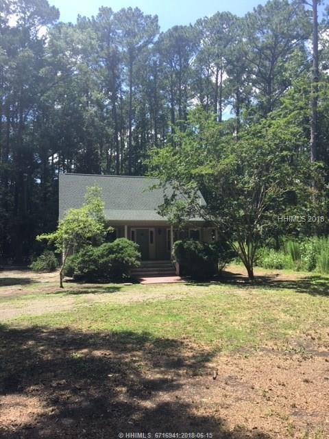 12 Pine View Dr, Bluffton, SC 29910 (MLS #378967) :: The Alliance Group Realty