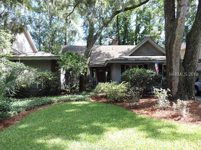 24 Water Oak Dr, Hilton Head Island, SC 29928 (MLS #385943) :: RE/MAX Coastal Realty