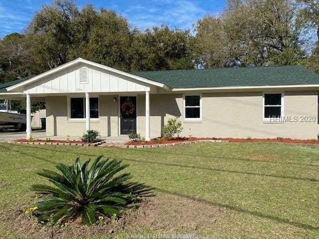 1506 Battery Creek Road, Beaufort, SC 29902 (MLS #401759) :: Southern Lifestyle Properties