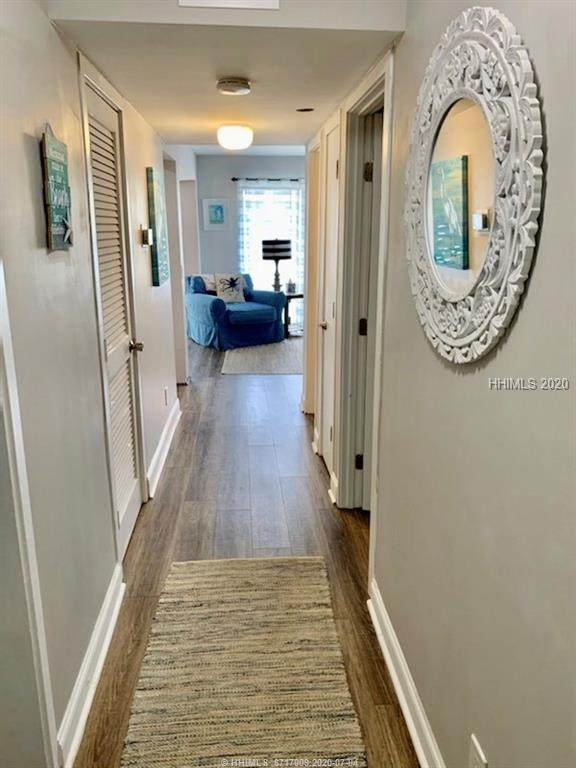 40 Folly Field Road #140, Hilton Head Island, SC 29928 (MLS #404914) :: Schembra Real Estate Group