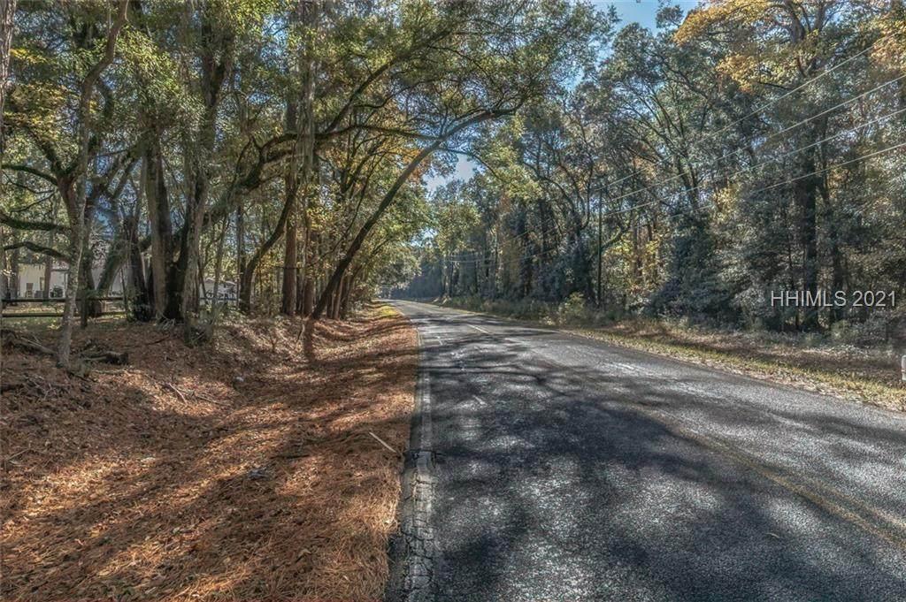386 Brickyard Point Road - Photo 1