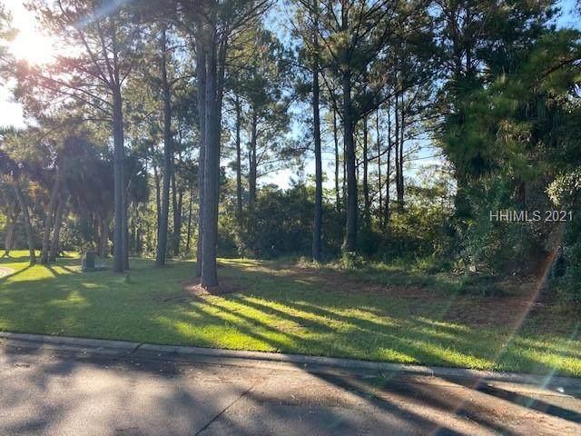 52 Shear Water Drive, Hilton Head Island, SC 29926 (MLS #418641) :: The Alliance Group Realty