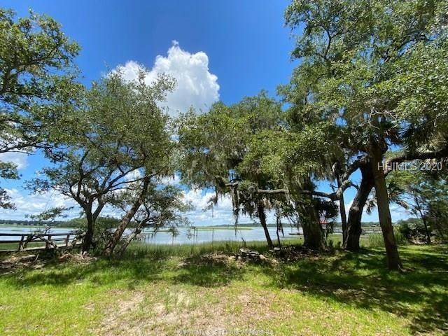 17 Old Smugglers Wharf Lane, Saint Helena Island, SC 29920 (MLS #361845) :: Collins Group Realty