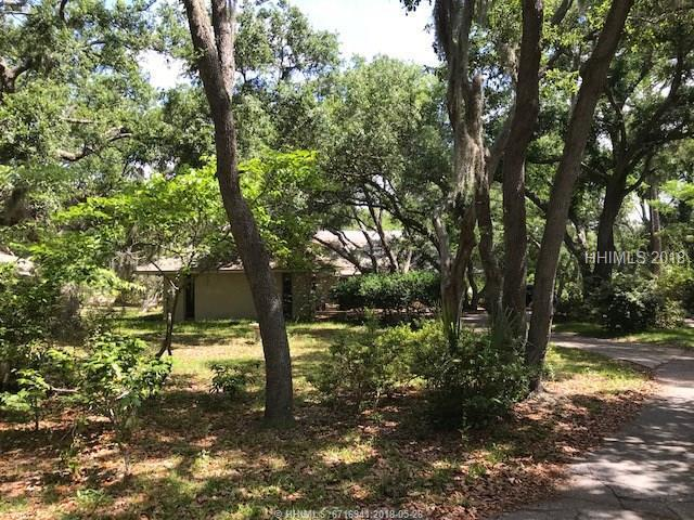 20 Doubloon Drive, Hilton Head Island, SC 29928 (MLS #381350) :: Collins Group Realty