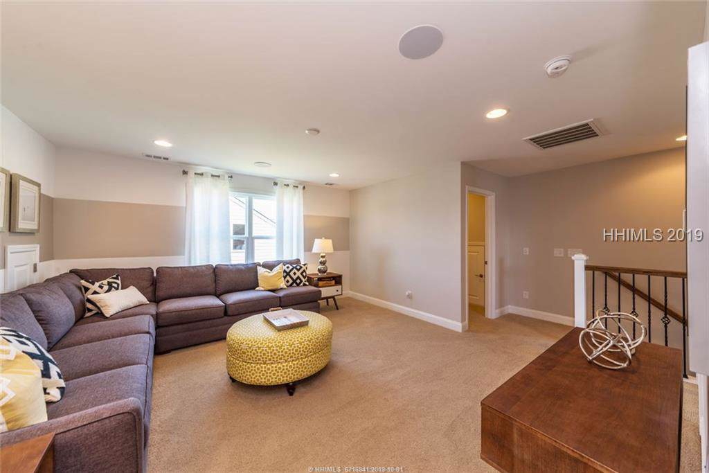 82 Turnberry Court - Photo 1