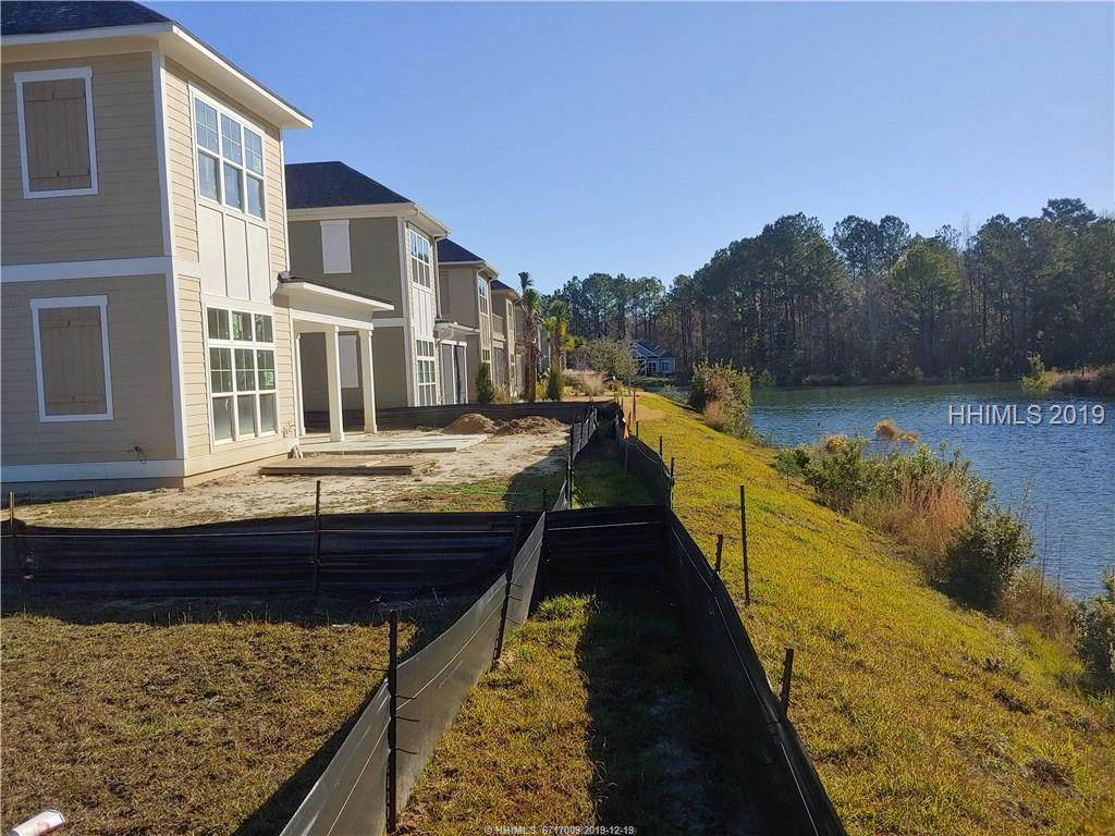 147 Hampton Lake Crossing - Photo 1