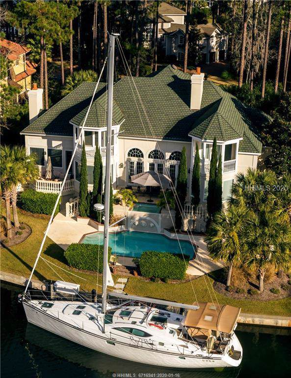 18 Castlebridge Court, Hilton Head Island, SC 29928 (MLS #399450) :: The Alliance Group Realty