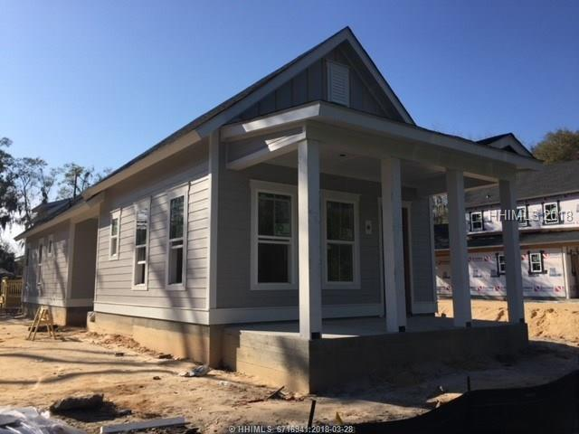 10 Guerrard Avenue, Bluffton, SC 29910 (MLS #370645) :: Collins Group Realty